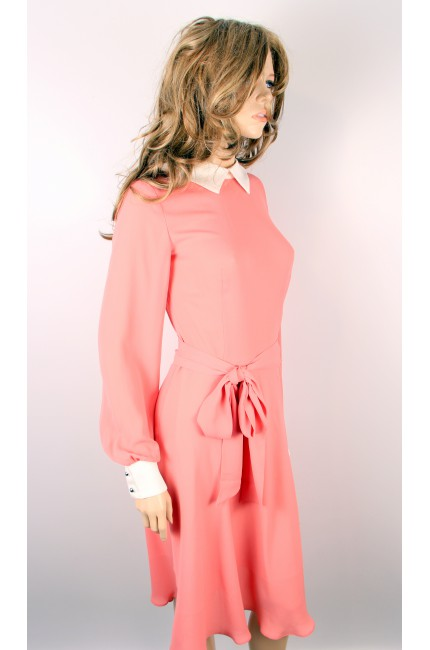 Розовое платье с белым воротничком и манжетами DOMINIKA KLEIN (Италия)