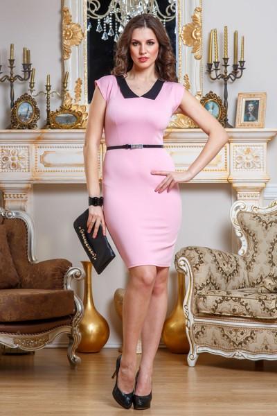 Розовое платье Angela Ricci с черным воротником