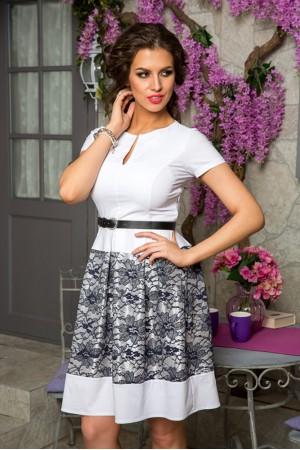 Красивое белое платье Angela Ricci с черным ремешком на талии