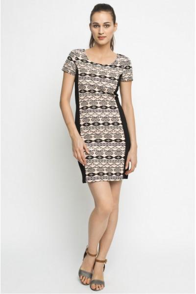Черное платье-футляр VILA с орнаментом